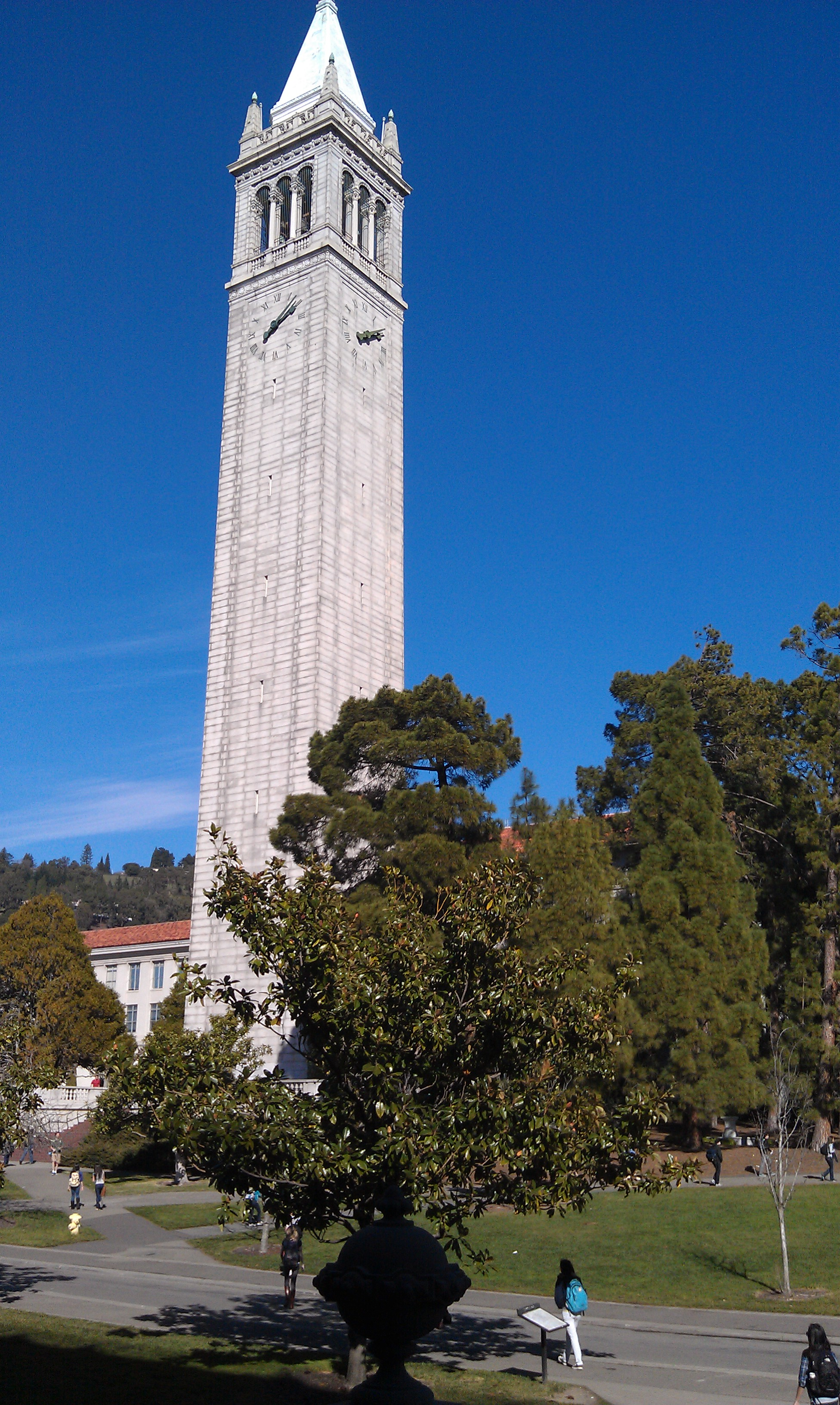 berkeley mba essays 2012 Many mba programs ask this question in their  when writing such essay, the candidate has to make it clear to the admission committee why .